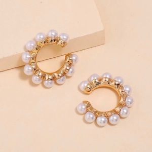 3/$30 💛 Faux Pearl Ear Cuffs